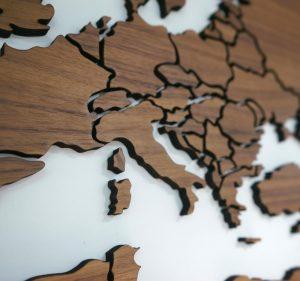 Карта Европы деревянная