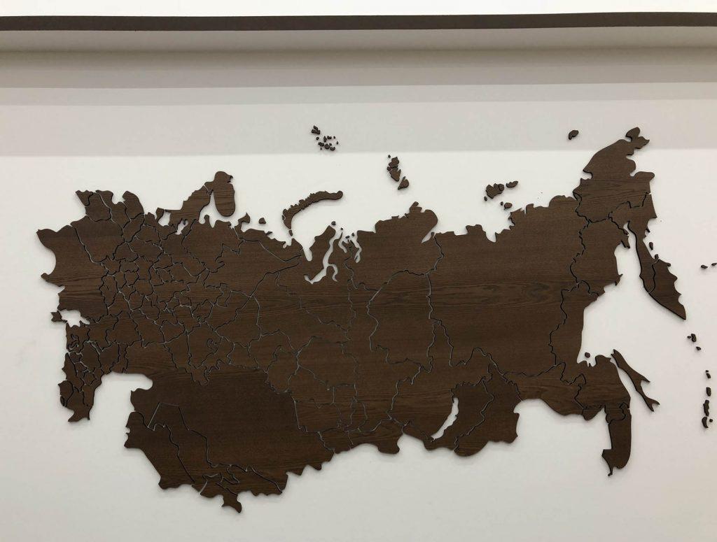 Карта российская из дерева