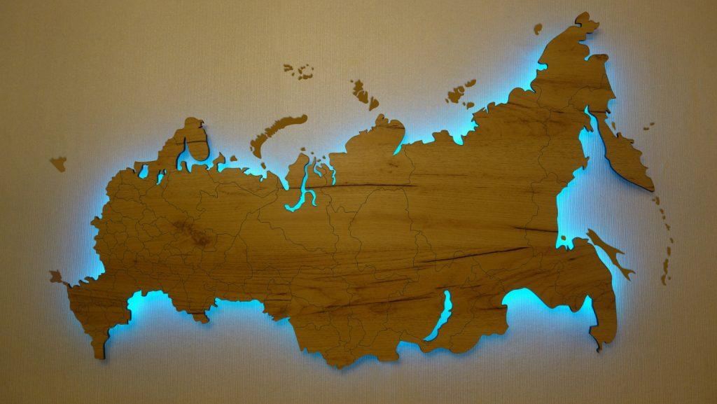 Карта России с гравировкой и подсветкой